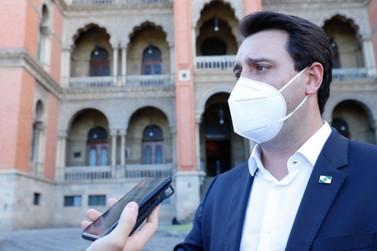 Vacinação contra covid-19 no Paraná começará em janeiro, diz Governador