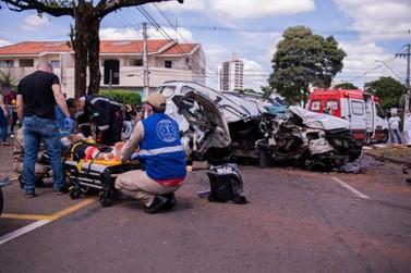 Acidente grave entre TrailBlazer e BMW deixa duas pessoas feridas em Umuarama