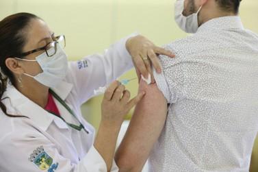 Paraná começará a vacinar população de 18 a 59 anos contra covid-19