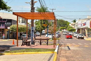 Comércio de Douradina permanece aberto até às 17h neste sábado