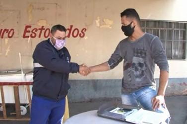 Morador da região encontra pasta com quase R$30 mil na rua e devolve para o dono