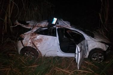 Moradores de Nova Olímpia ficam feridos após veículo capotar na rodovia PR-492