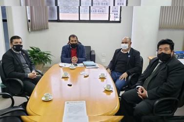 Prefeito e vice buscam recursos para Douradina em Curitiba