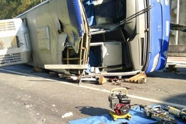 Polícia confirma morte de motorista e passageiro do ônibus do Umuarama Futsal