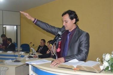 Após quase seis meses, prefeito de Janiópolis renuncia ao cargo