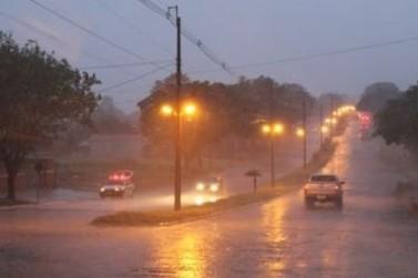 Chuva chega trazendo queda de temperatura para a região Noroeste