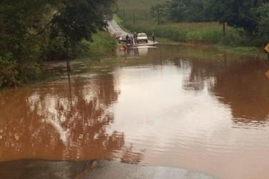 Chuva interdita PR-650 entre São João do Ivaí e Santa Luzia da Alvorada