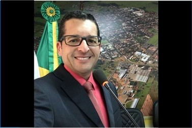 Cléris Moraes se afasta da direção da câmara e do rádio para concorrer às eleições