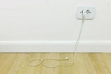 Criança morde cabo de carregador de celular e é eletrocutada em Cascavel