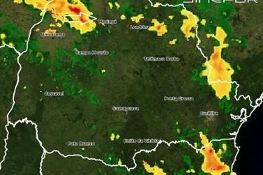 Defesa Civil faz alerta de tempestade para região nesta quarta-feira