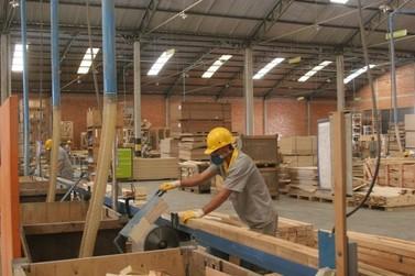 Douradina gerou 137 empregos de janeiro a setembro