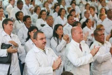 Governo reajusta salário de profissionais do Mais Médicos
