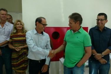 Tatinha inaugura gabinete para ficar mais próximo da população