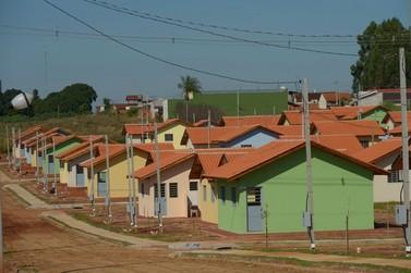 Cohapar entrega 120 casas populares em Douradina