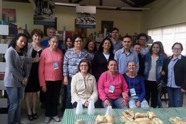 Douradina promove curso gratuito de acesso à internet para idosos