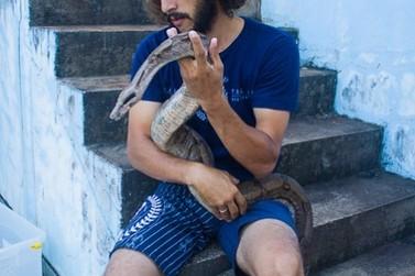 Conheça a MEL, a cobra famosa de Toledo