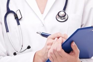 Enfermeira que acumula três cargos públicos deve optar por apenas uma das funções