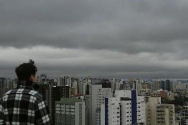 Estiagem coloca Paraná sob risco de chuva ácida, alerta Defesa Civil