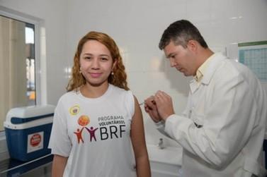 Paraná recebe 1º lote de vacinas contra a dengue