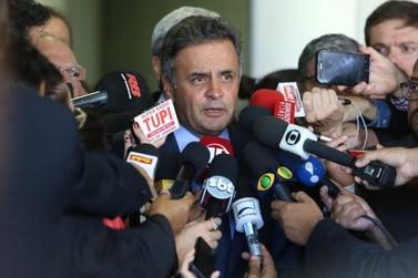 Pesquisa indica Aécio à frente de Lula em eventual disputa em 2018
