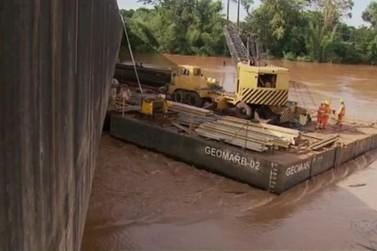 Ponte na PR-323, entre Cianorte e Maringá, é liberada após retirada de balsa