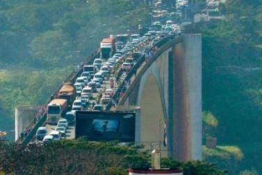 Ponte da Amizade corre o risco de desabar afirma jornal do Paraguai