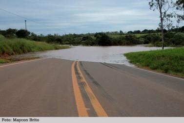 Rodovia PR 552 entre Paraíso do Norte e Mirador está interditada