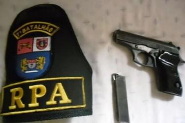 Arma de fogo é apreendida com caminhoneiro em Tapira