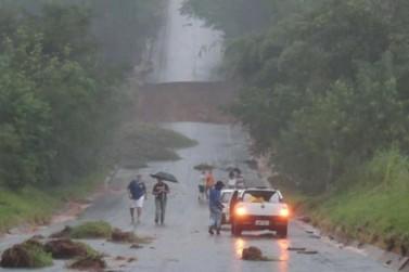 Com dois rompimentos na Rodovia Agenor Bortolon, São Silvestre está ilhado