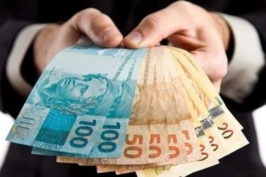 Salário mínimo será de R$ 678 em 2013, anuncia governo