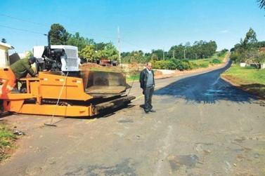 DER recupera asfalto entre Tapira e Nova Olímpia