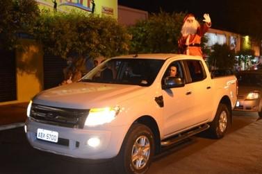 Chegada do Papai Noel em Douradina