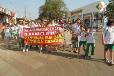 Secretaria Municipal de Saúde realiza Manifestação contra a Dengue