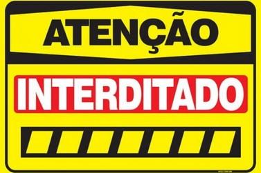 PR-323, em Cruzeiro do Oeste, é interditada por causa da chuva