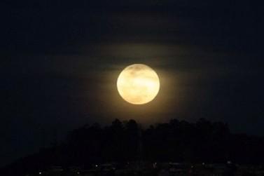 Primeira superlua do ano iluminou os céu de Douradina neste domingo
