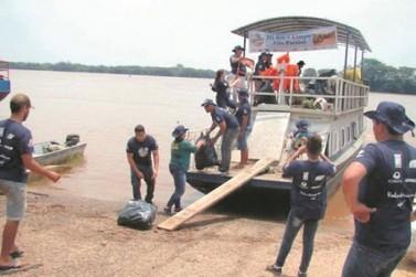 Projeto Rio + Limpo recolhe mais de uma tonelada de resídios no Rio Paraná e ilhas