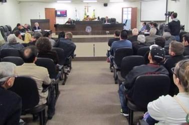 Reunião sobre Zona Azul tem ânimos exaltados na Câmara Municipal de Umuarama
