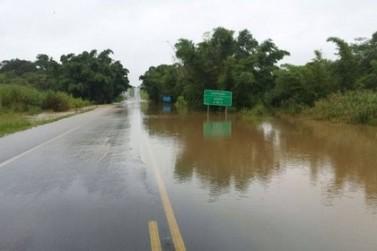 Rodovias danificadas pela chuva só devem ser liberadas depois do carnaval