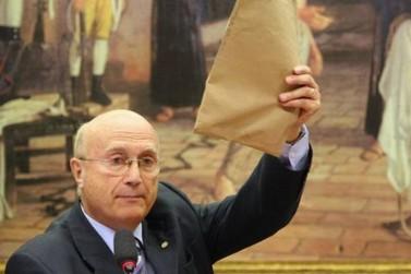 Serraglio recusa Ministério da Transparência e volta para a Câmara