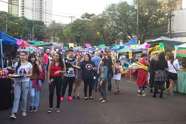 'Chorando em Guarani' é atração da Feirinha da JK neste domingo