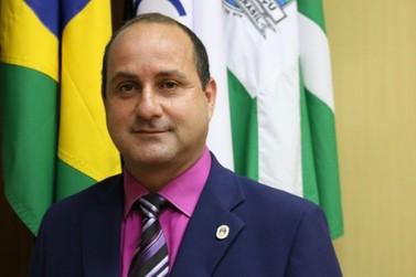 Vereador de Foz do Iguaçu entra na Justiça para receber 13º salário