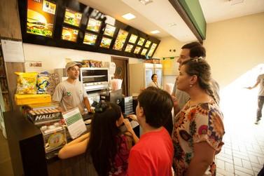 Pequenas empresas são as que mais empregam em Foz do Iguaçu