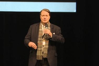 Co-fundador da Electronic Arts apresenta palestra sobre inovação