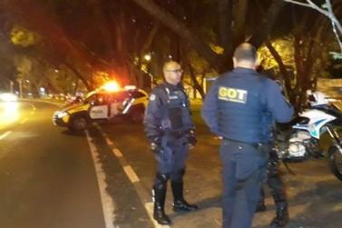 Homem é assassinado a tiros de pistola no canteiro central da Avenida JK
