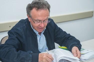 Candidato ao Senado, Nelton Friedrich assina carta-compromisso do Codefoz
