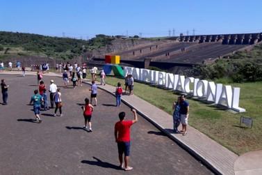 Com mais de 10 mil turistas, visitação supera expectativas na Itaipu