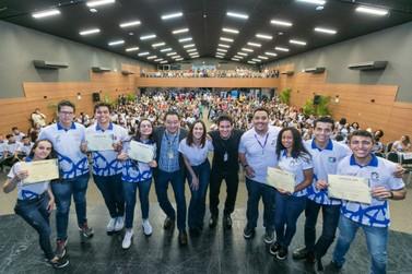 Mais 160 jovens concluem projeto de formação profissional do Polo Iguassu