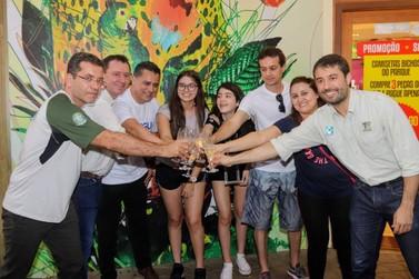 Família mineira marca recorde de visitação no Parque Nacional do Iguaçu