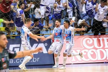 Foz Cataratas vence e se aproxima do título do Paranaense de Futsal