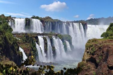 Parque Nacional do Iguaçu vai bater nesta terça seu recorde de visitação anual